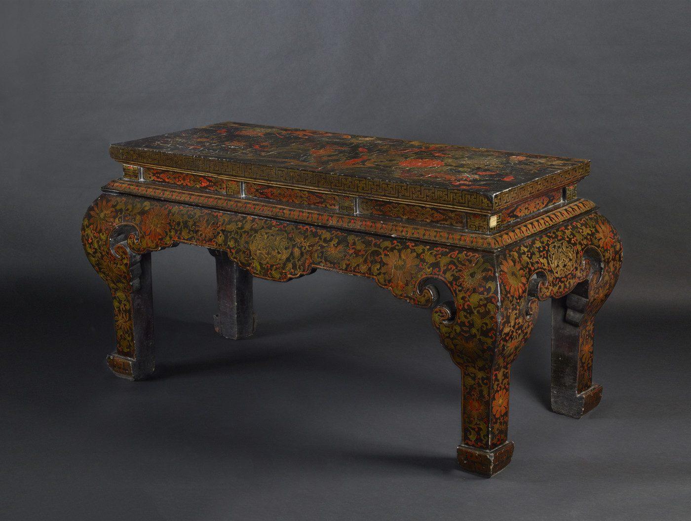Table de temple polychrome XVIIIe siecle H.84-147-62