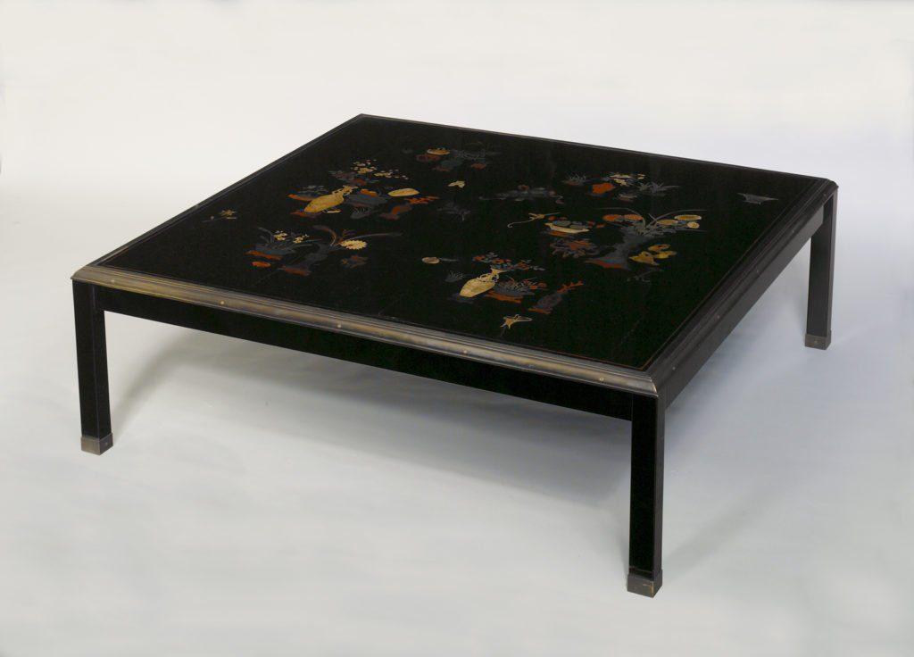 Table basse de Louis Cane composée de panneaux en laque polychrome