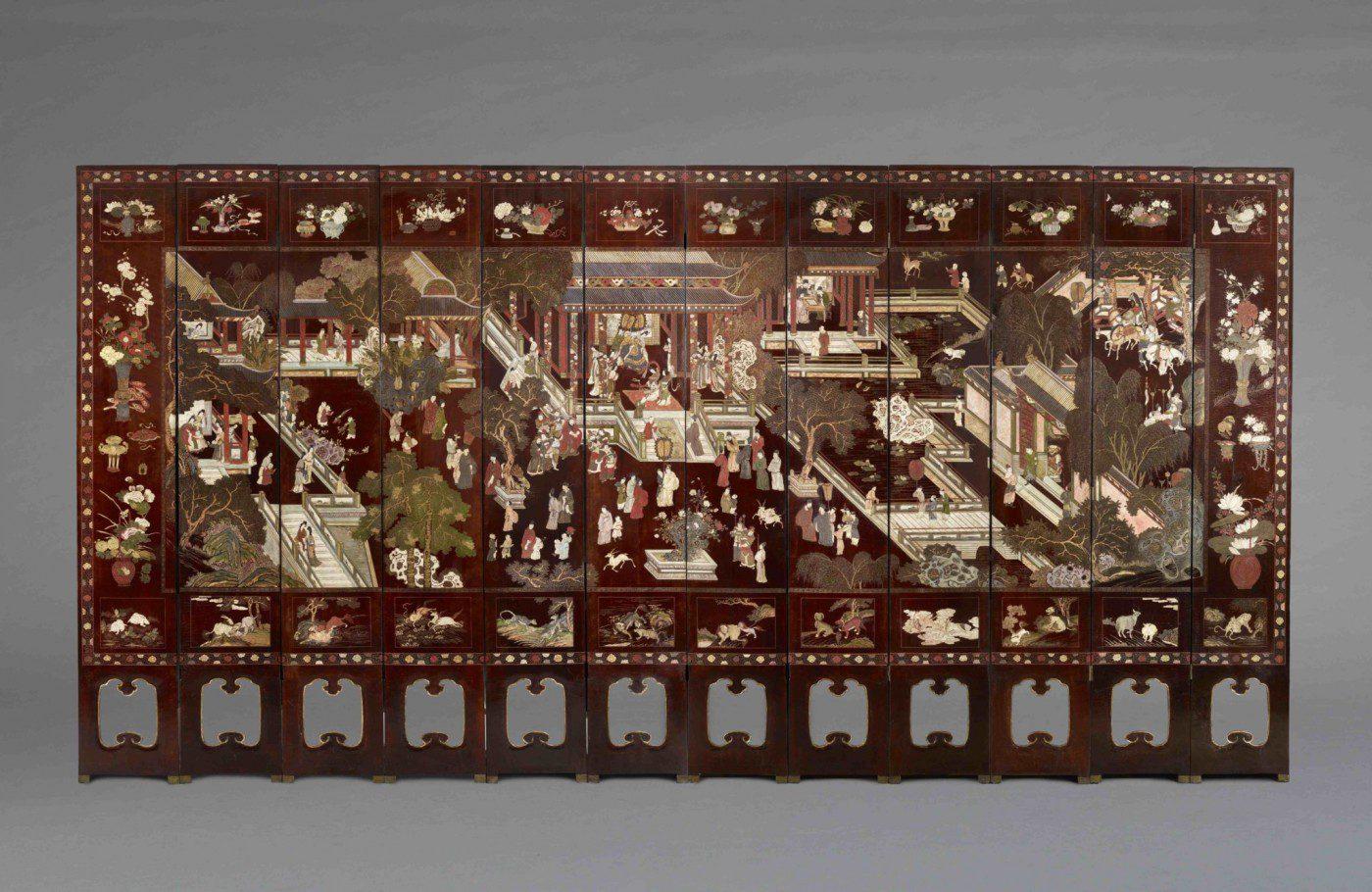 Face d'un paravent en laque de coromandel daté 1691