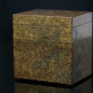 Kogo à 3 cases à décor doré de fougères